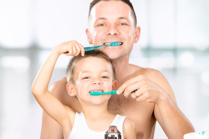 Налет на зубах у детей: фото, чем грозит, как лечить
