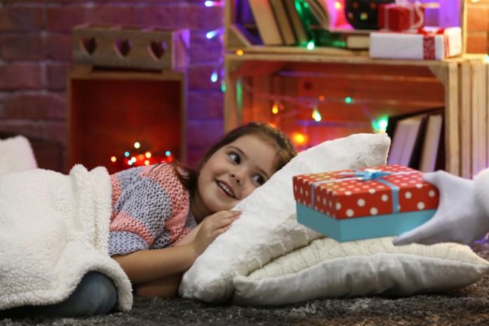 Сонник ребенок с подарком 700