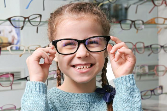Як підібрати окуляри для зору в дитини та переконати їх носити fe71d43385f6d