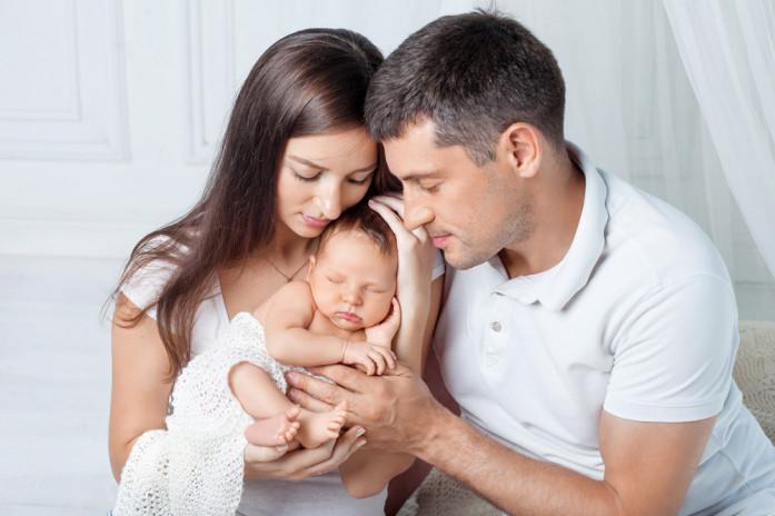 ребенок привязан к родителям