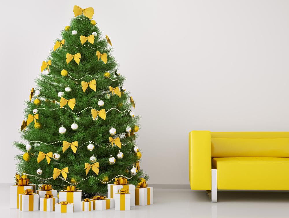 Елочка с желтыми бантиками