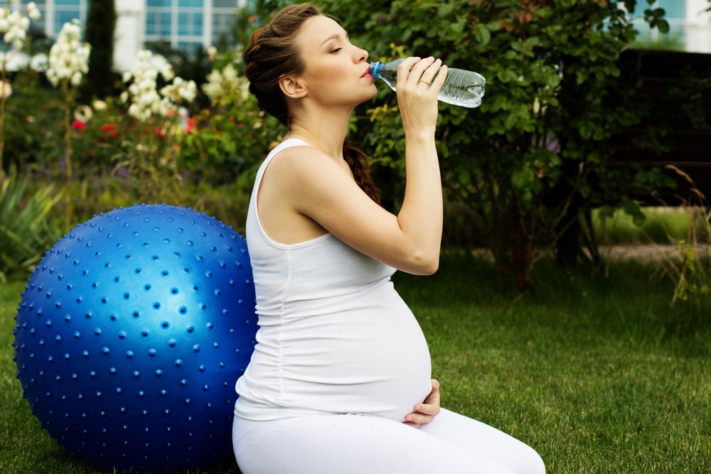 Я чувствую что беременная но пошли месячные 27