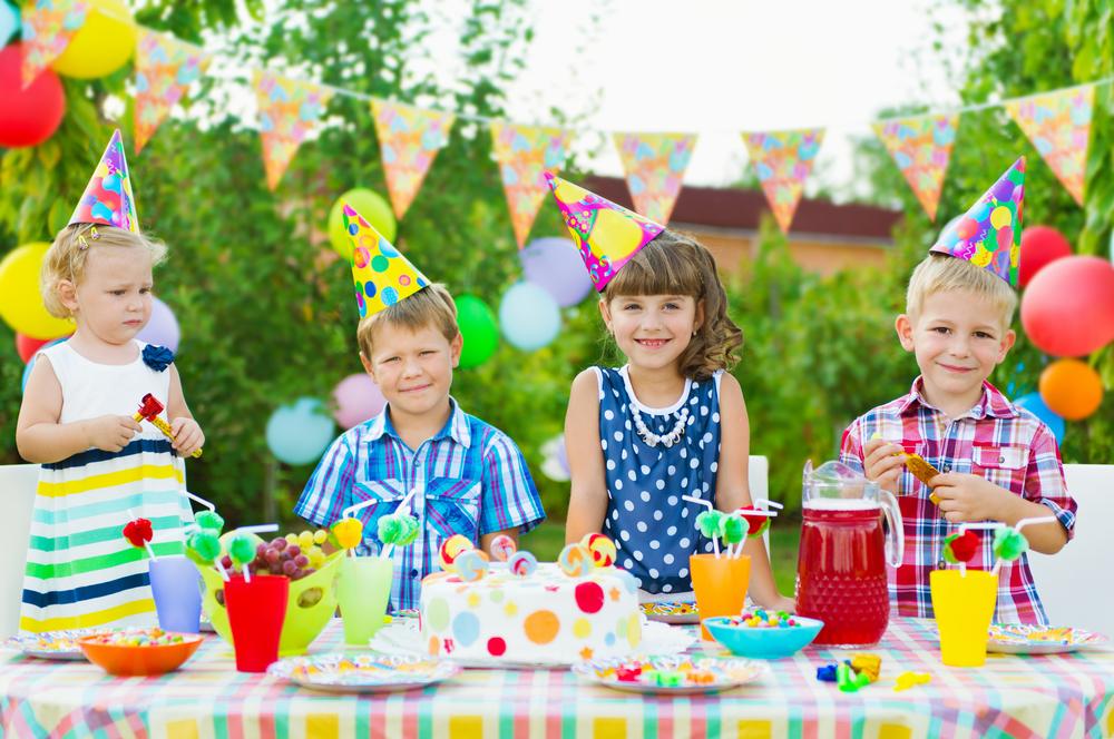 Развлечения для дня рождения взрослого за столом