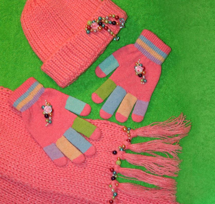 Украшение шапочки шарфика и перчаток для девочки своими руками