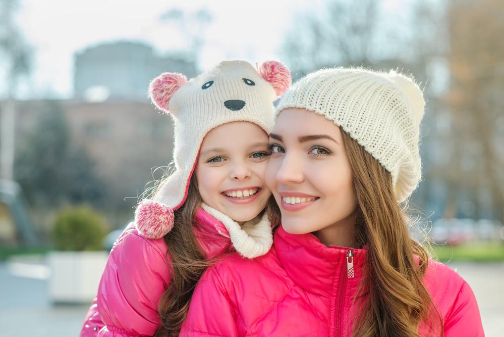 Семейная фотосессия зимой - даже без снега будет красиво