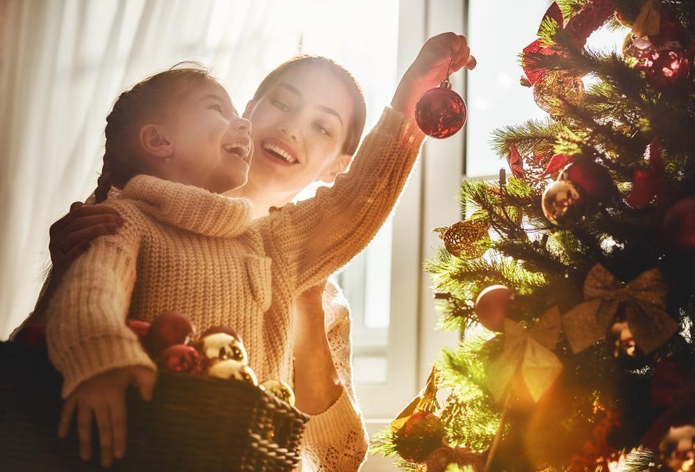Семейная фотосессия дома особенно теплая и естественная